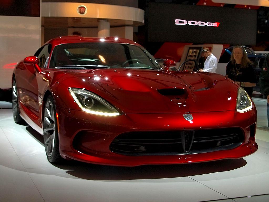 "File:"" 12 Fiat-Chrysler SRT Viper metal red coupes super ..."
