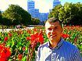 (01) WIKIMEDIA VIKTOR O LEDENYOV NEAR V N KARAZIN KHARKOV STATE UNIVERSITY AND GOSPROM BUILDING CITY OF KHARKOV STATE OF UKRAINE 05092014.jpg