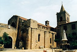Église Sainte-Marie de Quarante 1.jpg