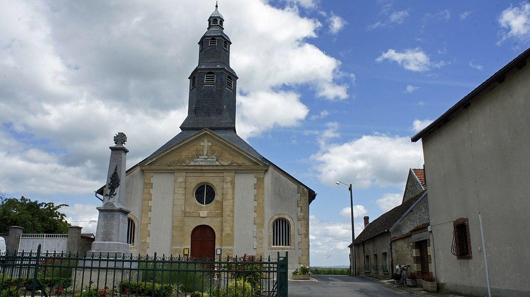 Église monument aux morts à Pouillon.