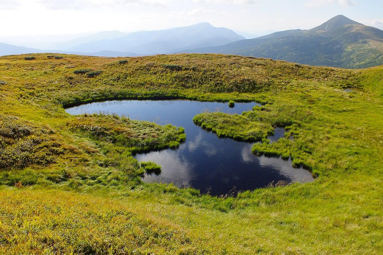 Безіменне озерце групи Озірни