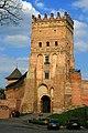 В'їзна вежа Луцького замку.jpg