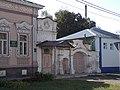 Дом Н.Ф. Крупина, крыльцо и ворота.jpg