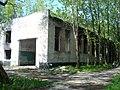 Заброшенное здание на территории бывших артскладов в Лиепае - panoramio.jpg