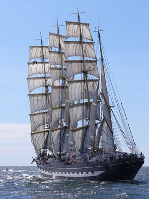 Kruzenshtern (ship) - Under sail