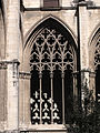 102 Catedral, finestral del claustre.jpg