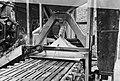 10x15 Stofafzuiging op automatische bezander in steenfabriek De Wolfswaard te , Bestanddeelnr 256-0776.jpg