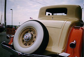 Continental tire - Image: 1932 Nash 1082R Ambassador Rumble Seat Coupe R