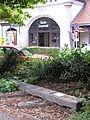 2006-08-11 Bahnhof Grunewald Mahnmal Gemeinde Grunewald.jpg