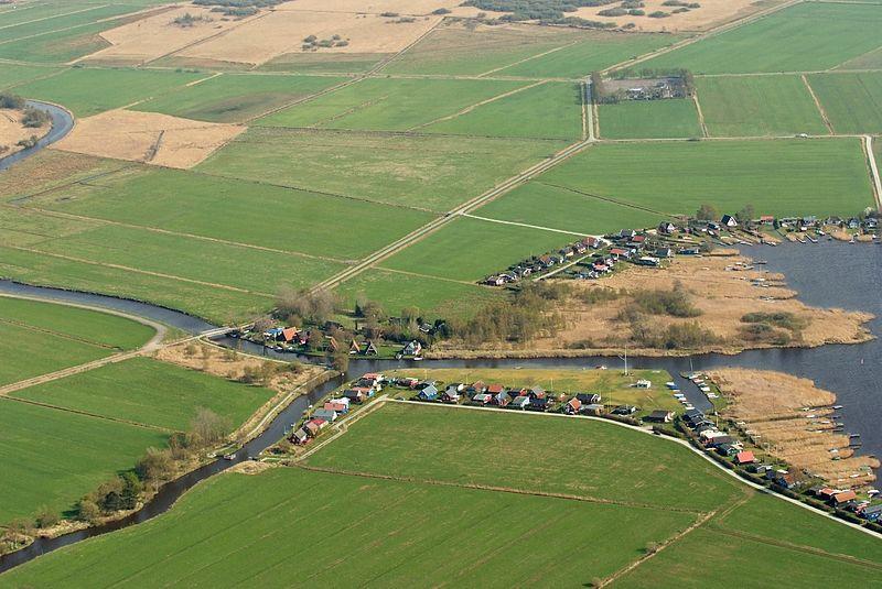 File:2013-05-03 Fotoflug Leer Papenburg DSCF7213.jpg
