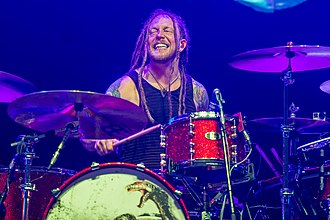 Shinedown - Barry Kerch of Shinedown performing in 2016