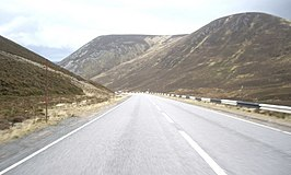 A93 in de Valley of Cairnwell Burn