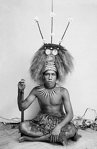 Young man dressed as a manaia, the son of a Samoan chief (matai), circa 1890-1910. (photo by Thomas Andrew) A Manaia, son of a Samoan matai photo Andrew.Thomas.jpg