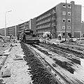 Aanleg en verbeteren van wegen, dijken en spaarbekken, stabilisatie, flatgebouwe, Bestanddeelnr 161-1199.jpg