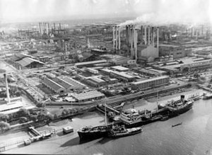 Economic history of Iran - Abadan Refinery, built 1913.