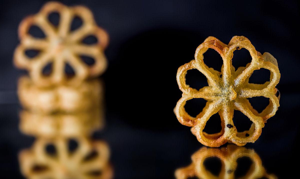 Layer Cake Recipe In Malayalam: Rose Cookies
