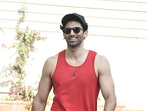 Aditya Roy Kapur spotted at the gym in Bandra.jpg