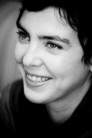 Adriana Calcanhotto - Image: Adriana Calcanhoto (em entrevista ao DESTAK) 2008