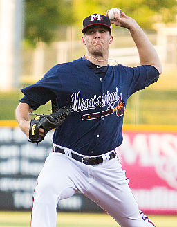 Alex Wood pitching for the Mississippi Braves in 2013