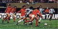 Argentina kempes dribbling.jpg