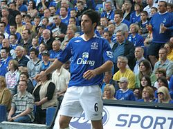 Arteta throw in portsmouth home may 07.jpg