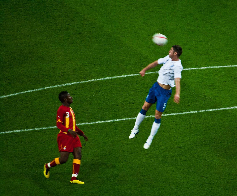 8d97625c9 File Asamoah Gyan   Gary Cahill (Ghana vs. England).jpg - Wikimedia ...