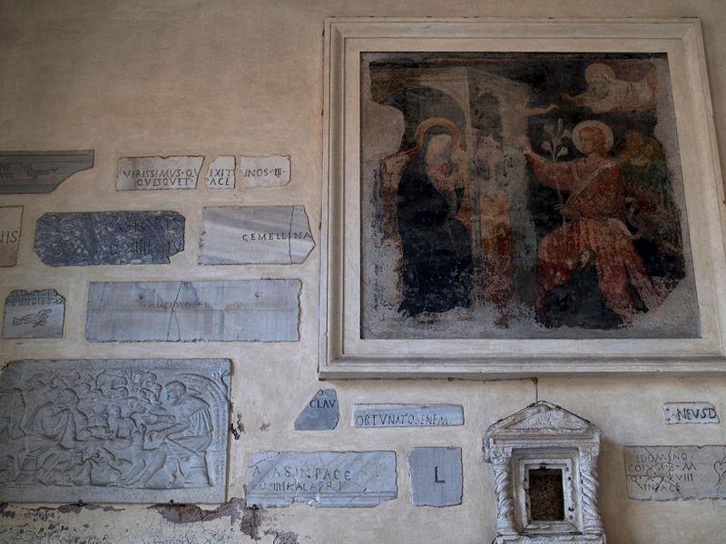 Atrium Santa Maria in Trastevere 04.jpg