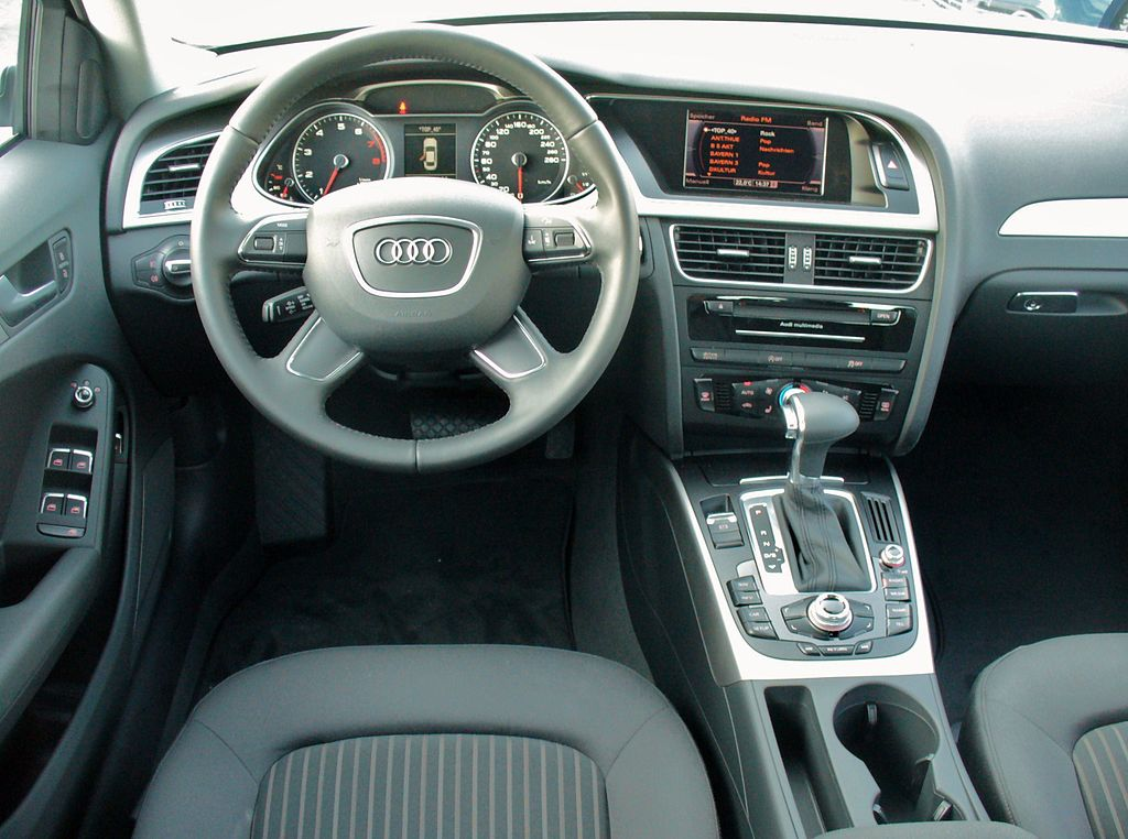 File audi a4 b8 facelift limousine ambiente 1 8 tfsi for Interieur wikipedia