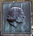 August Heinrich Andreae Alter St.-Nikolai-Friedhof Hannover Grabmal Portraitmedaillon.jpg