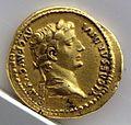 Aureo di tiberio per il divo augusto, 14-37 dc., lugdunum.jpg