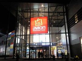 83ecea2080 Avion Shopping Park. nákupné centrum. Avion večer.jpg