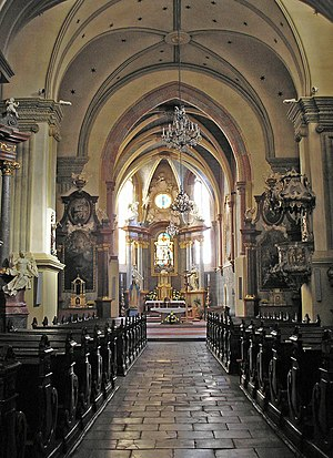 Franciscan Church, Bratislava - Image: Ba Franciscan church interior