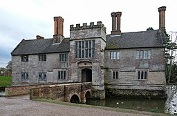 Baddesley Clinton house north 2016.jpg