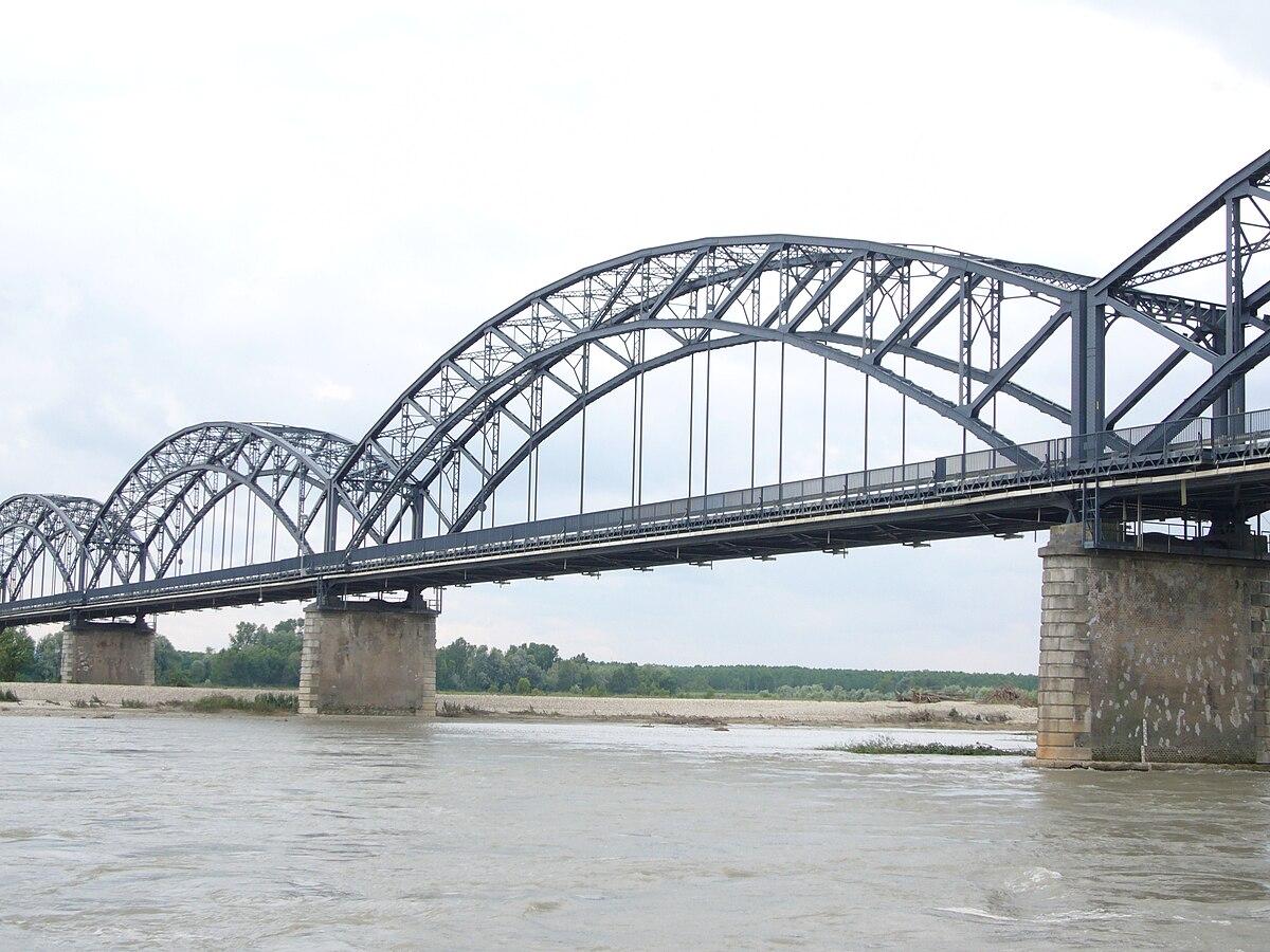 Mezzana bigli wikipedia for Ponte sul davanti della casa