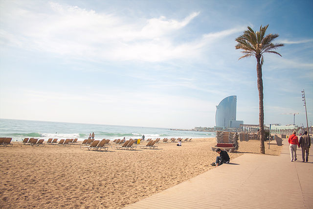 Sea facing hotels are popular in Barcelona