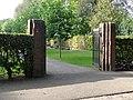 Barneveld begraafplaats RK gedeelte Hek.jpg