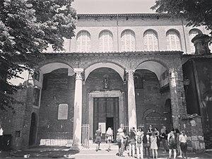 Basilica di Santa Sabina all Aventino 01.jpg