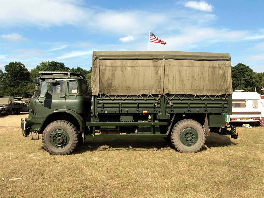 1023px-Bedford_MJ_series_truck_pic8.JPG
