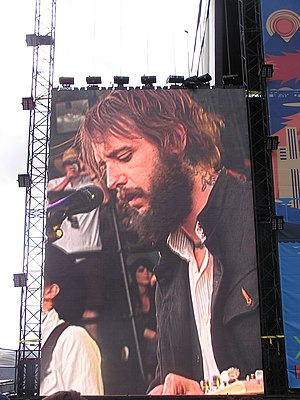 English: Image of Band of Horses lead singer B...