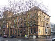 Gymnasium am Ostring, Schule des Nobelpreisträgers Manfred Eigen