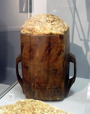 Irish bog butter in wooden crate (15–16th century) – Medieval Irish Cuisine