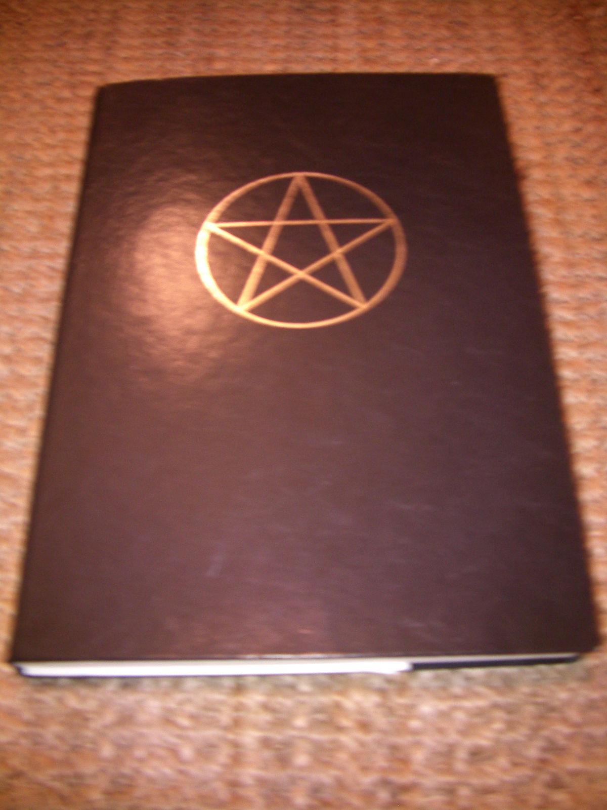 Livro das Sombras – Wikipédia, a enciclopédia livre