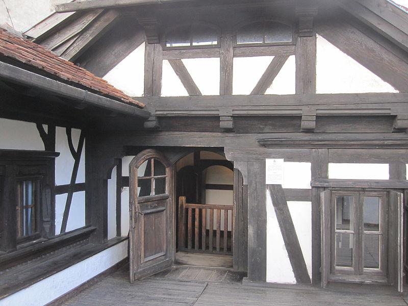 File:Bran veranda.jpg