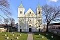 Breitenlee - Kirche.JPG