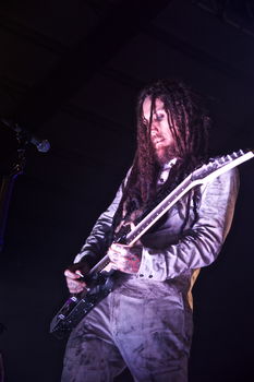 "Brian ""Head"" Welch in concerto con i Korn nel 2013"