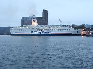 Brittany Ferries Pont L'Abbe (1).JPG