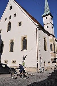 Bruderhauskirche Aussenfassade mit Erker und Turm.JPG