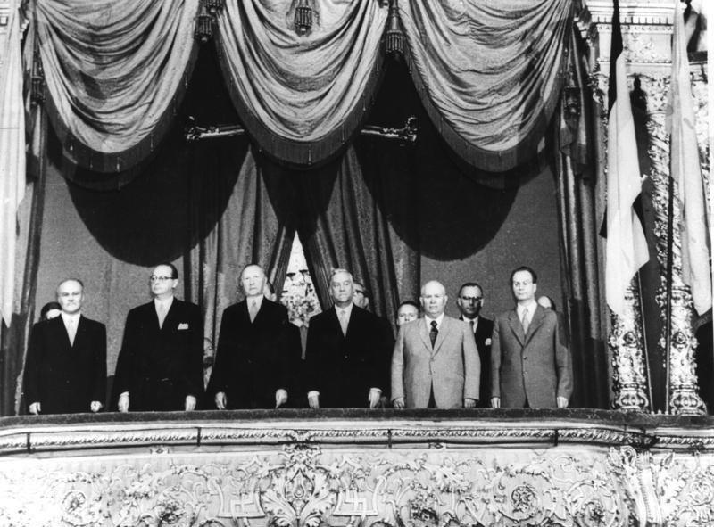 Bundesarchiv Bild 183-33241-0001, Moskau, Gala-Vorstellung für BRD-Regierungsdelegation