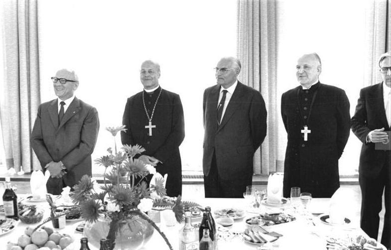 Bundesarchiv Bild 183-W0613-039, Sitzung des Martin-Luther-Komitees