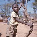 COLLECTIE TROPENMUSEUM Portret van een Kaonde jongen in de omgeving van Kasempa TMnr 20039218.jpg